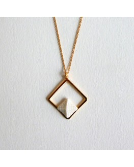 Collier Pyramide 16